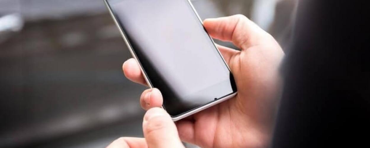 Dispositivo móvel para terceirização na Uniir